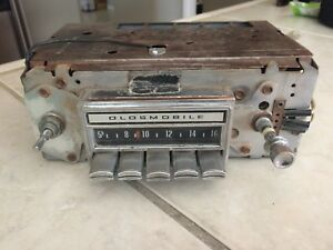 Vintage 1970 S Oldsmobile Cutlass Radio Am Chrome Buttons 7935003 Not Tested