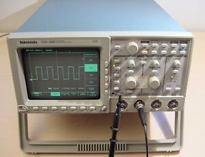Tektronix Tds460 4 channel 350 Mhz Digital Oscilloscope For Parts Or Repair