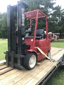 1998 Hyster S50xm 5000 Pound Propane Forklift