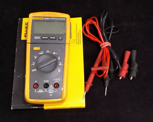 Fluke 233 a Automotive Multimeter Excellent Condition Soft Case Leads