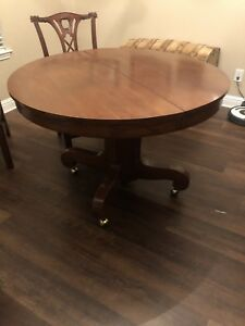 45 Round Antique Oak Pedestal Dining Table