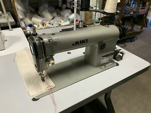 Juki Ddl 555 Industrial Sewing Machine Compete With Table And Motor