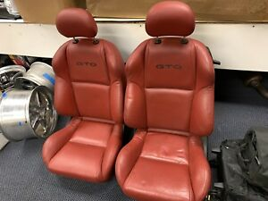 2004 2006 Pontiac Gto Red Leather Front Power Bucket Seats Oem Gm