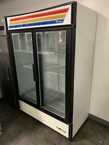 True Gdm 49f Freezer glass 2 Door Merchandiser Commercial Refrigeration