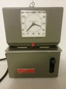 Vintage Lathem Time Clock Model 2121 With 2 Keys Works