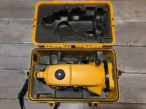 Used Topcon Dt 30 Digital Transit Theodolite With Case Charger