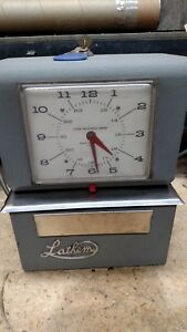 Lathem Time Clock Model 4055 Used Very Good Condition