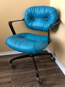 Mid Century 1970s Original Knoll Turquoise Leather Aluminum Office Chair Casters