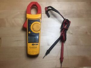 Fluke 902 True Rms Hvac Clamp Meter With Fluke Leads And Fluke Temp Probes