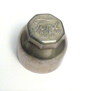 Very Nice Vintage Collectible Ford Model T Hub Cap Threaded Dust Cover