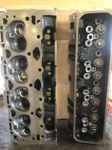 New Pair Chevy Gm 350 906 062 V8 Vortec Cast Iron Cylinder Heads Bare