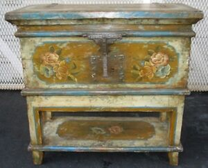 Antique American New England German Hand Painted Chest Very Rare Pick Up Only