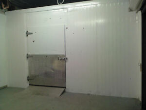 12 w X 12 d X 8 h Walk in Cooler Walkin Restaurant Bakery Bar Farm