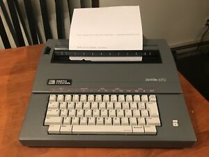 Smith Corona Electronic Electric Typewriter Deville 470 Great Condition In Box
