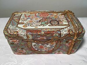Asian Porcelain Container Antique China Chinese Box Bowl Famille Rose Carriage