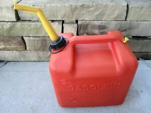Chilton 5 Gallon Vented Gas Fuel Can Spout P500 Made In Usa