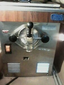 Saniserv Commercial Soft Serve Ice Cream Machine Model A4071e Counter 7 Quart