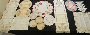 Antique Doilies Runners Lot Linen Lace Embroidered Crafts 18 Pc Projects Crafts