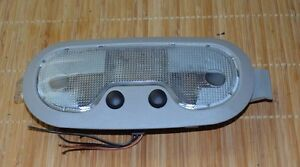 2000 2006 Chevy Tahoe Gray Dome Light Used Excellent Oem