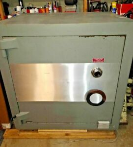 Large Commercial Combination Safe Tl 30 Rating 350 2 Hours 42 5 X 42 5 X 34 Big