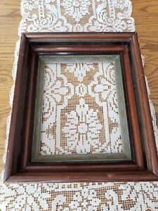 Antique Victoria Walnut Shadow Box Picture Frame 11 25 13 7 8 For 8x10 Picture