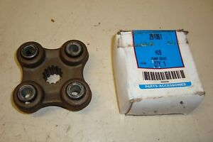 Ford 600 800 Tractor Loader Pump Drive Hub 291061