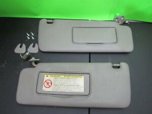 01 03 Highlander Gray Sun Visors Shades Set Mirror Homelink Garage Sunvisor