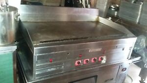 Magikitch n Mkg 48 st Restaurant Griddle Grill W Turbo Air Cabinet Tcbe 52sdr