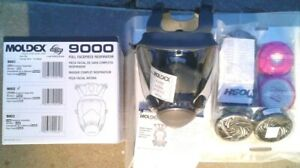 Like New Moldex 9000 Series Full Face Respirator medium 9002 W Sealed Filters