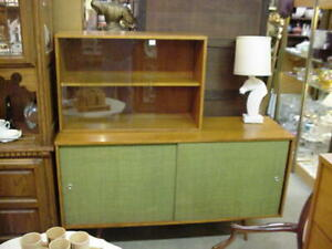 Mid Century Modern Paul Mccobb Planner Group Credenza Sideboard With Shelf