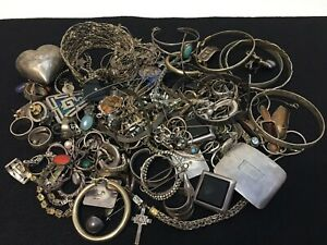 Approx 682g 925 Sterling Silver Wear Repair And Or Scrap Jewelry Lot Untested