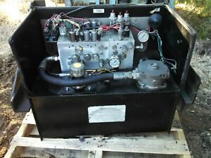 Muncie Hydraulic Valve Bank Hyd Tank Pto Pump And Cab Controls