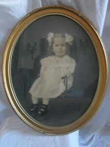 Antique Oval Gilt Frame 22 X 18 With Antique Photo Of Cute Little Girl