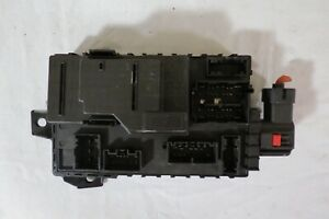 09 10 Ford E350sd Van 5 4l Multifunction Engine Fuse Junction Box Relay Module