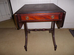 Antique Duncan Phyfe Side Table Mahogany 1940 S End Foyer Flower Chippendale