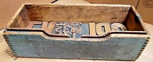 Early Country Dovetailed Box Nice Old Paint Printing Blocks Inside As Pictured