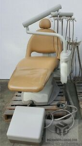 Refurbished Midmark Ultracomfort Dental Chair W Delivery Assist Free Delivery