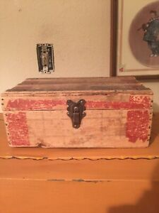 Small Vintage Chest Wooden Wood Trunk Treasure Chest Suitcase Box Nice