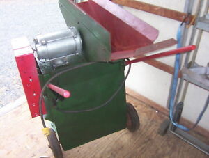 Corn Mulch Miscellaneous Grinder With 12 Blades Ww Grinder Mill Company