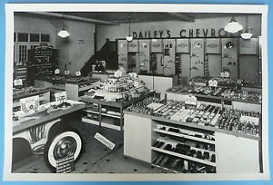 12 By 18 Black White Picture Dailey S 1941 Chevrolet Parts Showroom