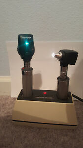 Welch Allyn 7110 Charger 20520 Otoscope And 11710 Opthalmoscope