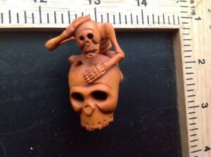 Netsuke Skull Skeleton Cranium Japan Antique Vintage