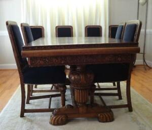 C 1930 Carved Renaissance Revival Oak Extending Dining Table 8 Matching Chairs