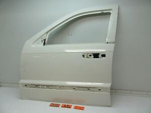 05 07 Jeep Grand Cherokee Left Front Door Shell Panel Driver Lf Lh L Stone White