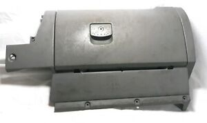 98 05 Vw Beetle Gray Glovebox Glove Box Compartment Assembly Door Handle