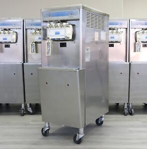 Taylor Soft Serve Frozen Yogurt Ice Cream Machine 2008 3 Phase Water Cooled