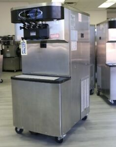 Taylor Soft Serve Frozen Yogurt Ice Cream Machine 2010 Single Phase Air Coole