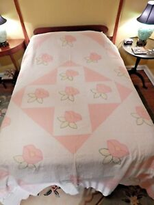 Antique Pink And White Poppies Appliqued Quilt 98 X 77
