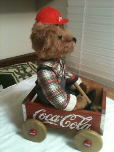 VINTAGE COCA COLA WAGON AND CUBBY BEAR FRANKLIN MINT COLLECTION