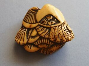 19th Century Antique Netsuke Shells And Crab